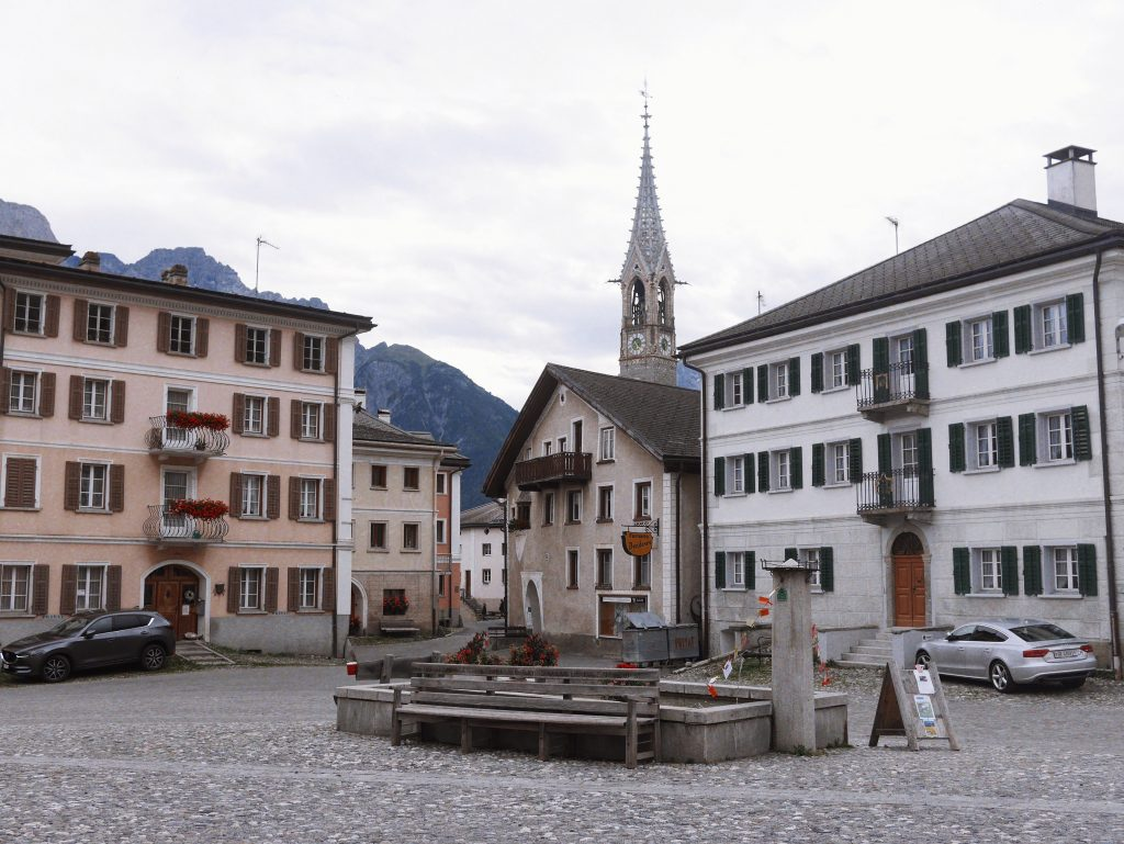 sent-place-du-village